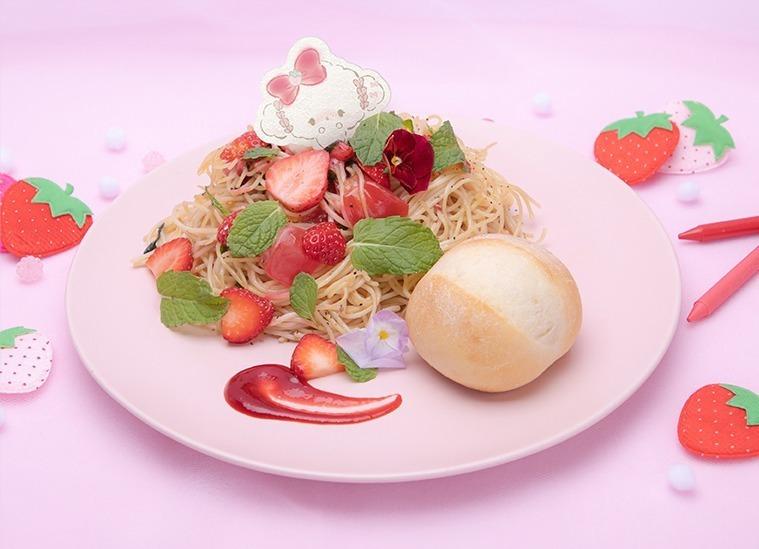 苺にバジルとミントを合わせたパスタや、ピンク色のシーザードレッシングで味わういちごのブーケサラダなど、意外な組み合わせでおいしく苺を味わえるユニークなフードメニューが充実している。